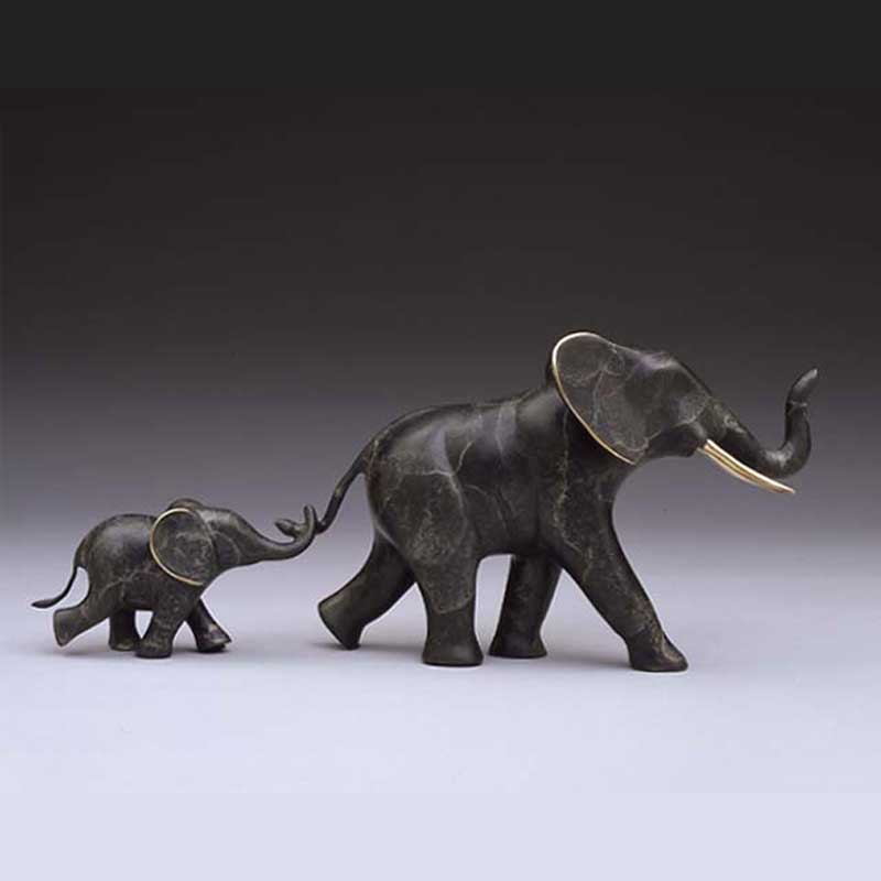 Elephant Bronze Sculpture, Tailin' Behind