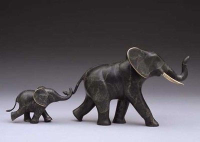 Elephant Bronze Sculpture | Tailin' Behind