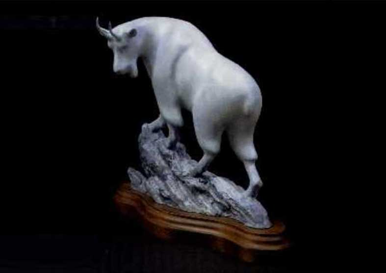 Rocky Mountain Goat Sculpture – Pinnacle Pontiff